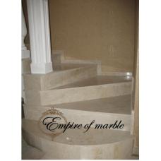 Лестница из мрамора бежевого цвета по индивидуальному проекту