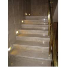 Лестница из мрамора бежевого с розовыми прожилками Крема роза Валентино