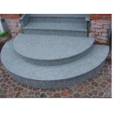 Радиусная площадка и лестница из серого гранита Покостовского месторождения