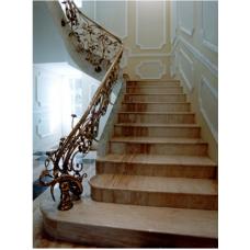 Лестница-7 Мраморная лестница из мрамора «Тиа рос»