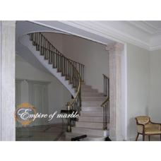 Мраморная радиусная лестница из бежевого мрамора «Крема нова» (Турция)