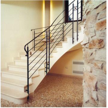 Лестница-98 Мраморная радиусная лестница из мрамора «Крема марфил»