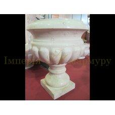 Садовая ваза для цветов изготовлена из натурального камня лаймстоун Galizia Marbella