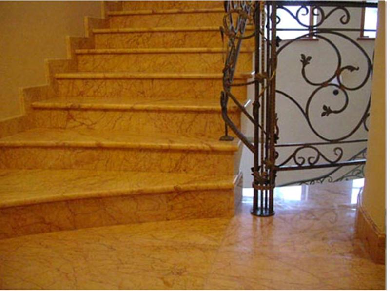 Мраморная лестница для коттеджа и дома