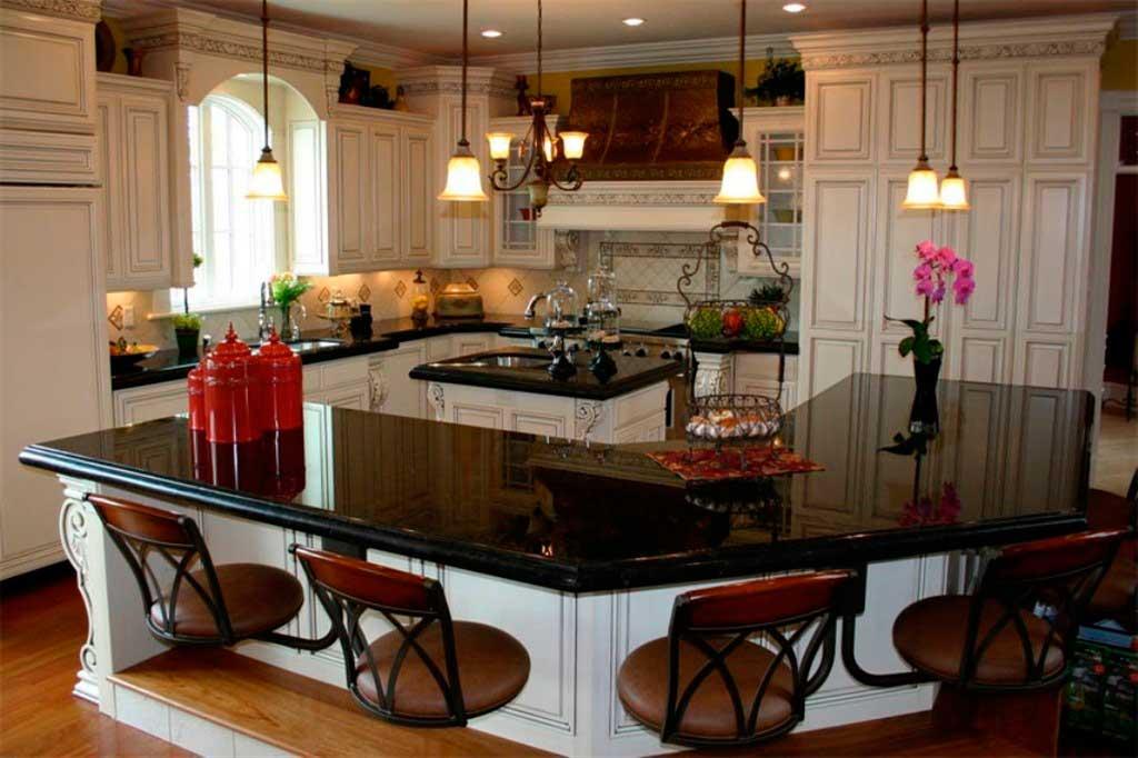 Столешница на кухне из камня