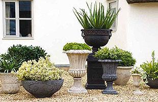 Садовые вазы из камня